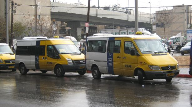 Sherut Taxis in Tel Aviv