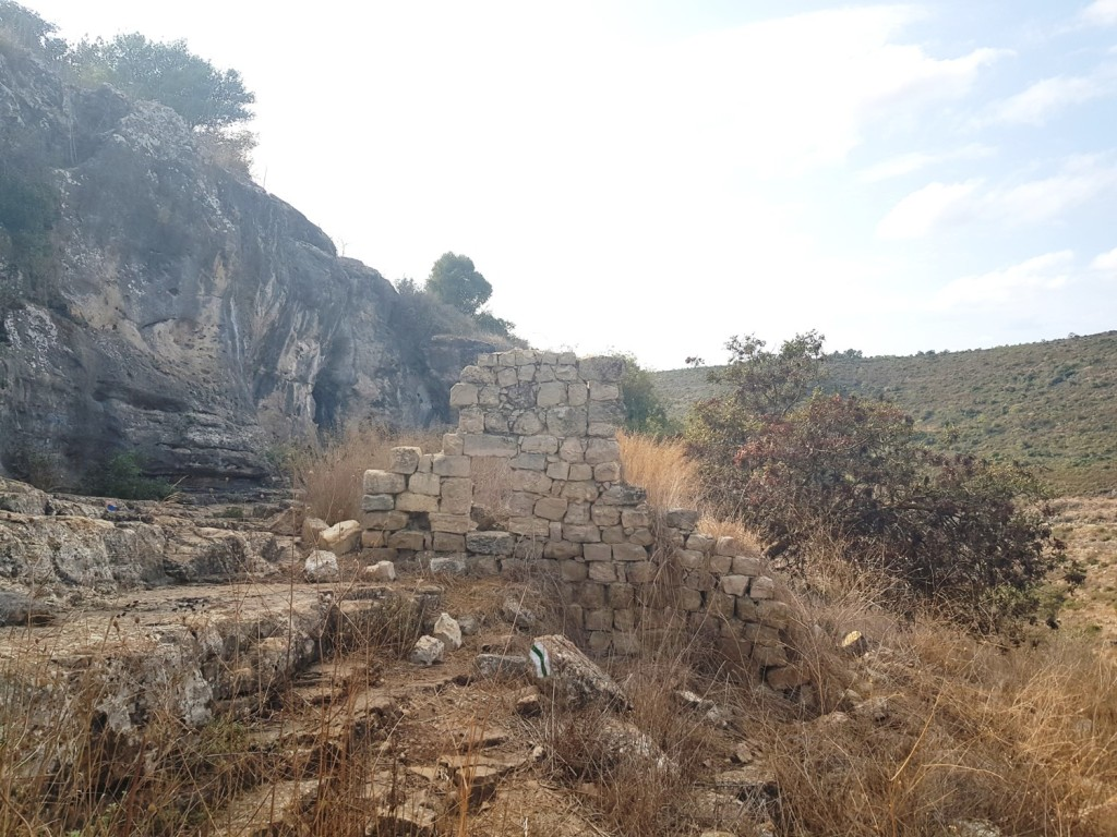 The ancient ruins next to Yishakh Caves