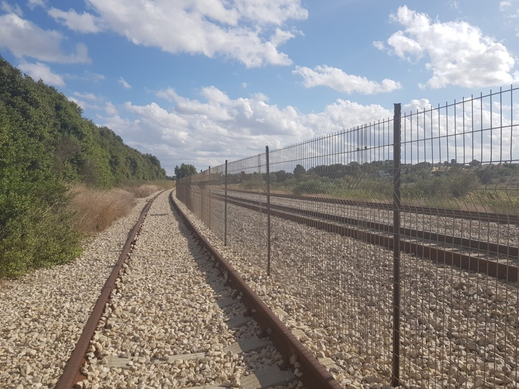 Parallel to the railway on the Israel National Trail